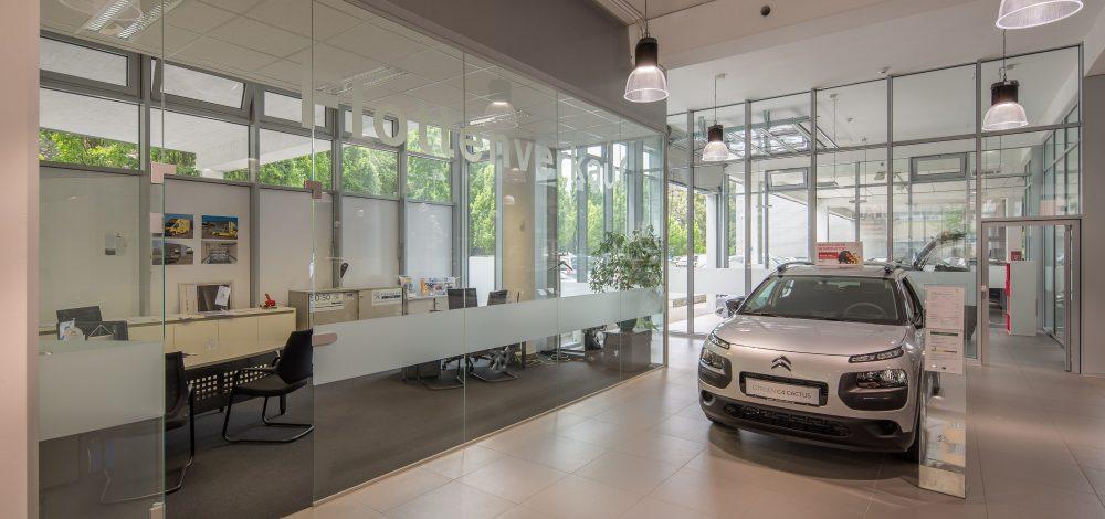 Alu-Glasfassade_Peugeot_Citroen_Zentrale_Oesterreich