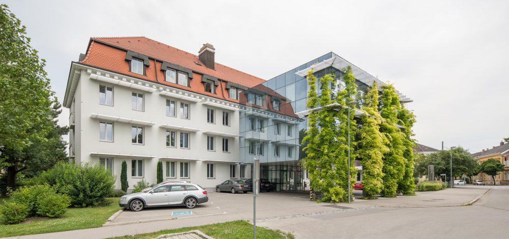 Metallkonstruktion_Bezirkshauptmannschaft-Korneuburg_Referenz_Metallbau-Strehwitzer