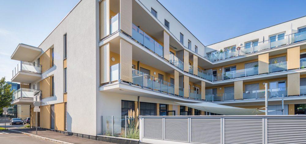 Stahlglas_Balkon-Gelaender_Metallbau-Strehwitzer