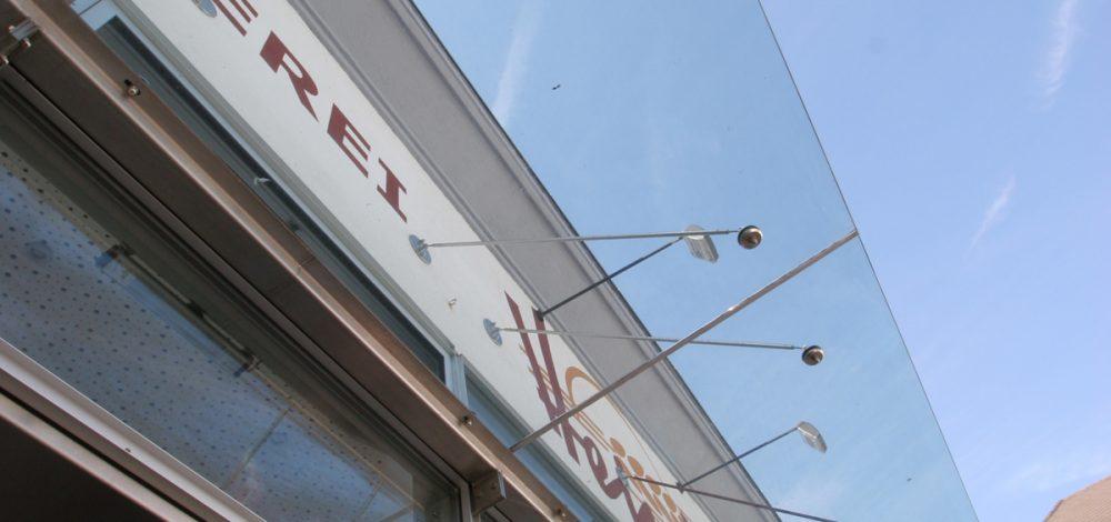 Vordach_Referenz_Metallbau-Strehwitzer
